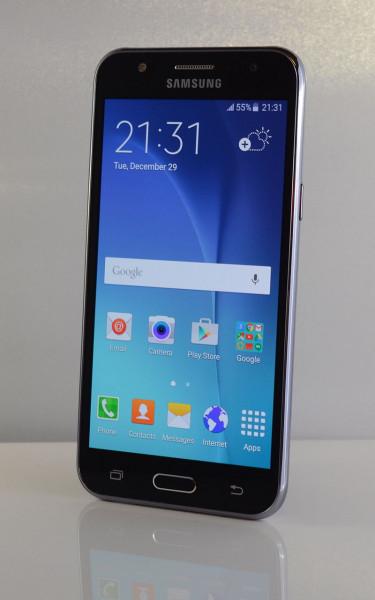 Samsung Galaxy J5 (16GB) - (ohne Ladegerät) schwarz